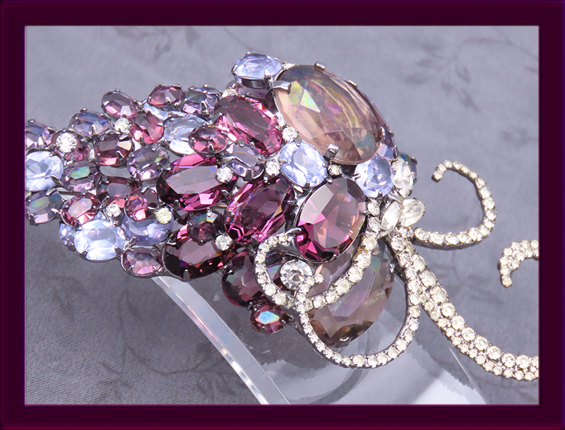 Sorrell-huge-grape-cluster-of-unfoiled-glass-stones.