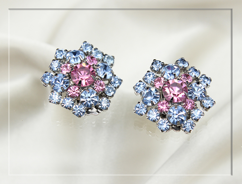 pale-pink-and-blue-rhinestone-star-shaped-earrings